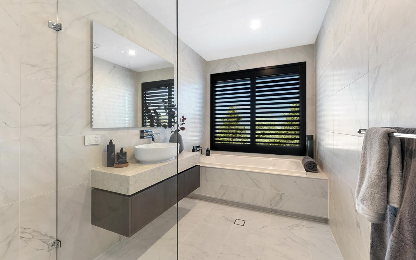 Corrima House Design Main Bathroom